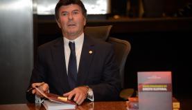 Fux diz que Brasil precisa de reforma eleitoral para qualificar a política