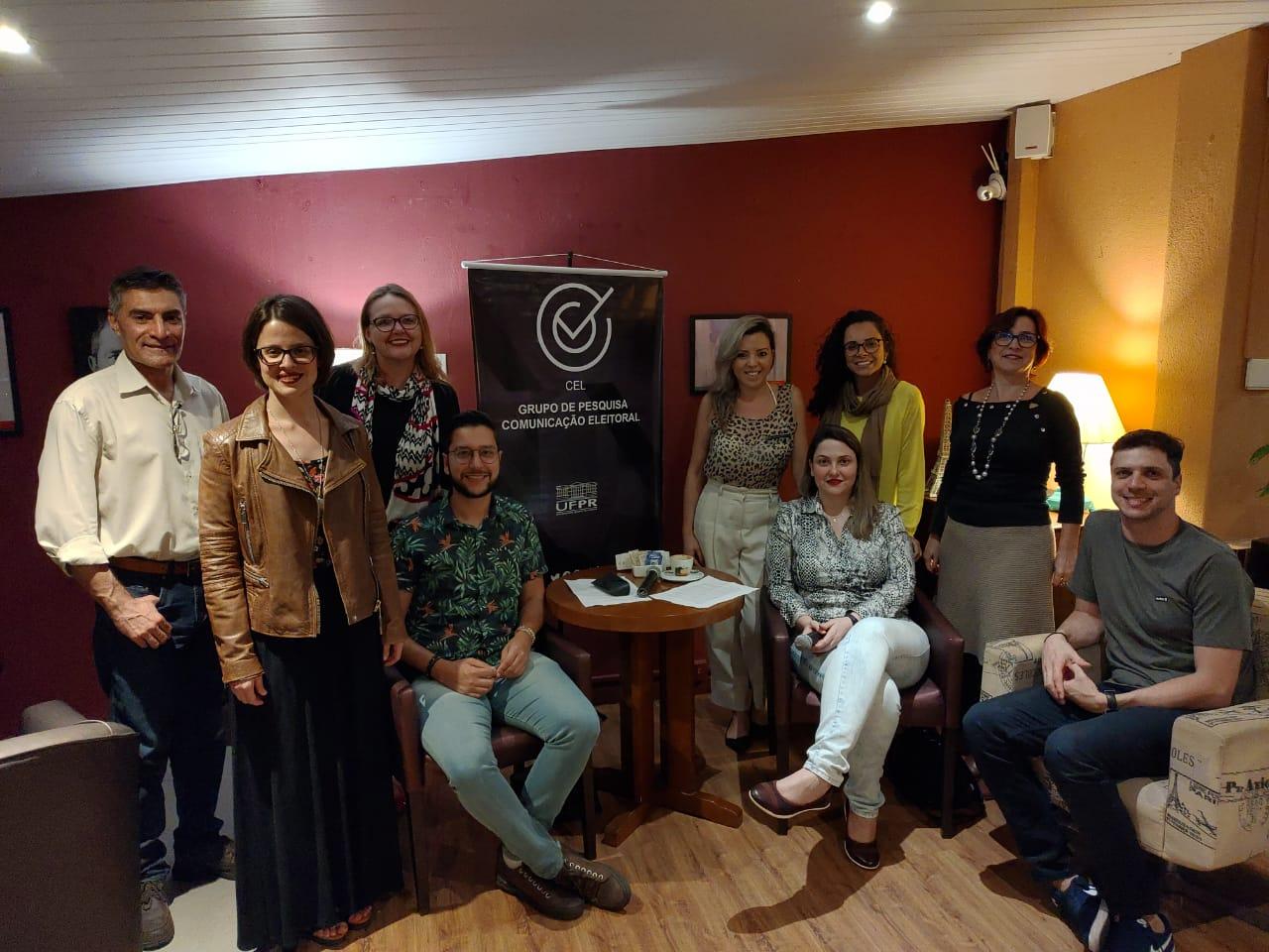 CEL Café: pesquisadores falam sobre imagem pública de Dilma e Bolsonaro