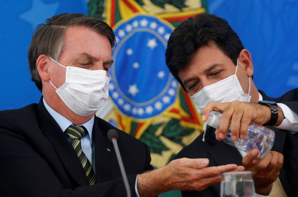 Bolsonaro e Mandetta: uma breve análise de construções e  desconstruções de imagens públicas