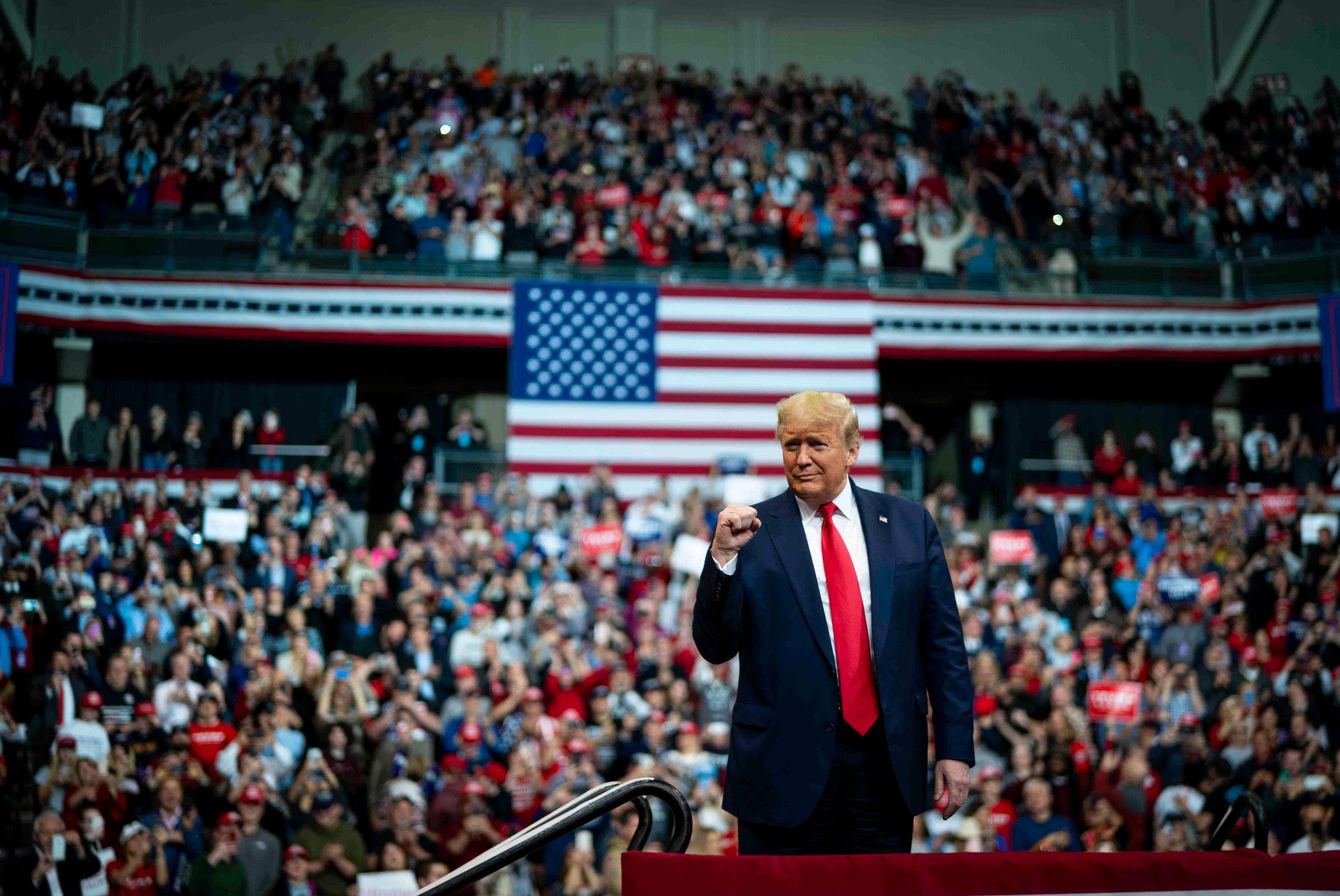 A 'facada' de Donald Trump e as estratégias do populismo de extrema direita