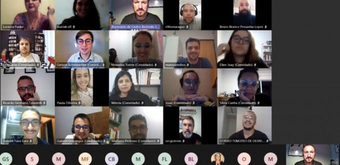 A reunião foi realizada pela plataforma Microsoft Teams, e foi aberta à comunidade externa